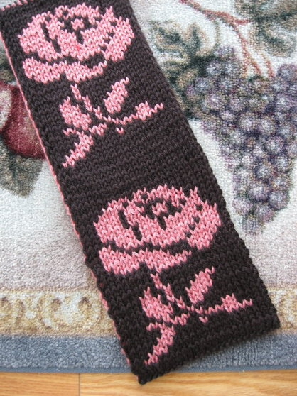 Double Knit Patterns Free : Reversible Rose Scarf - Judys Knitting Page